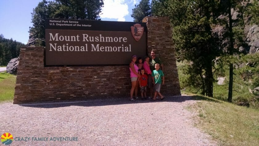 mount-rushmore-sign