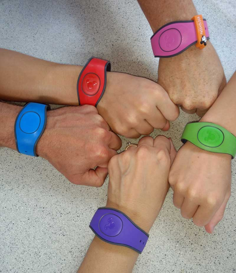How do you resize your Magic Band?