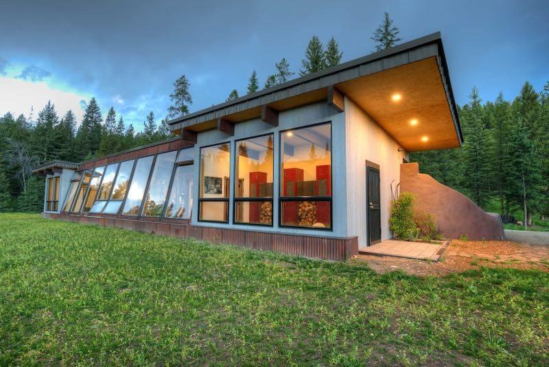Earthship - Montana Airbnb
