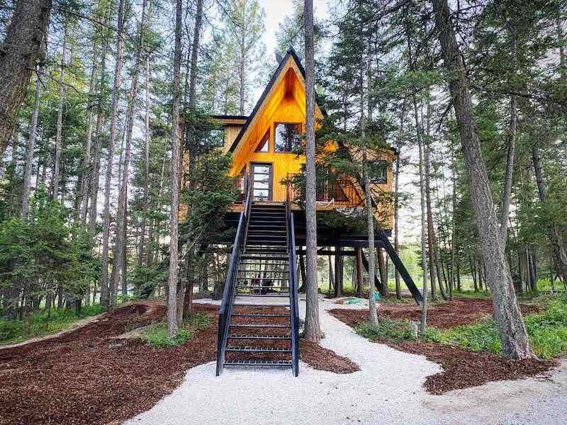 Treehouse in Montana