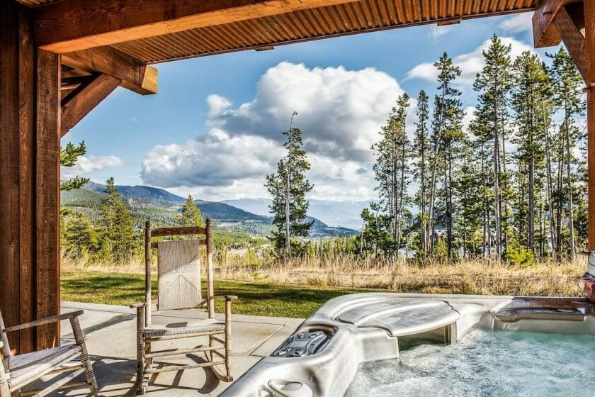 Montana Airbnb with Hot Tub