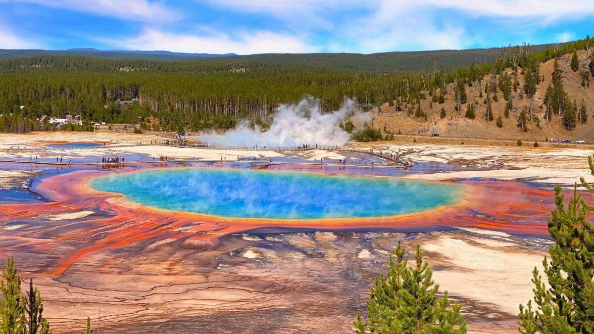 18 Top Things To Do In Yellowstone National Park