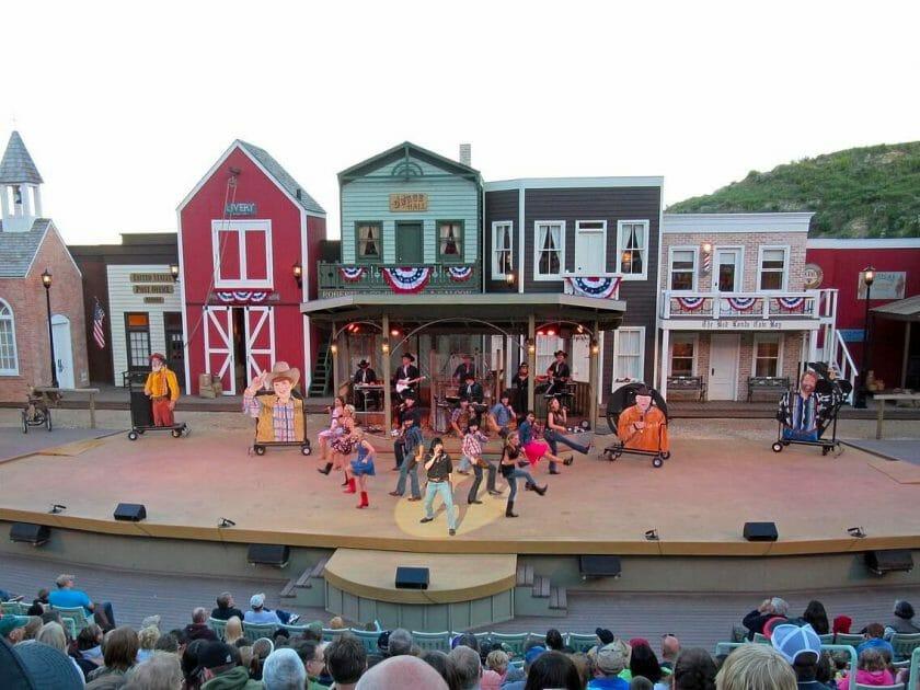 Medora dancing show