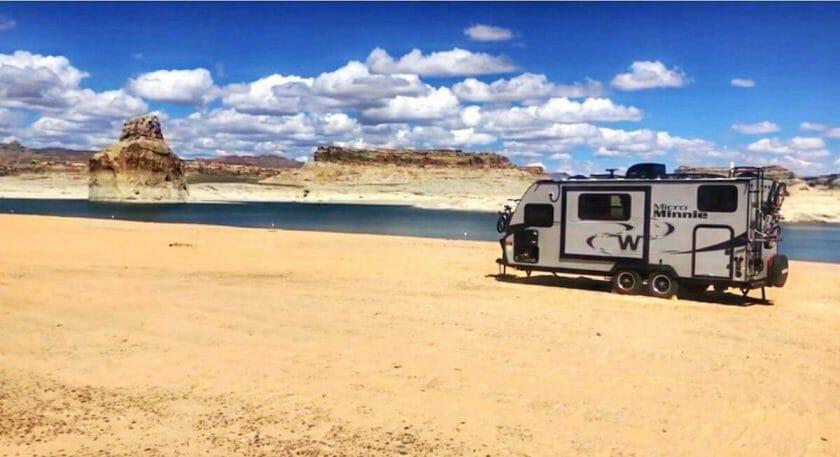 Lone Rock Beach Camping