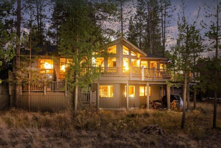 This is a picture of the Sunriver Lodge as part of our VRBO Bend Oregon recommendations.